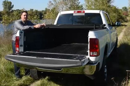 Advantage Truck Accessories® Hard Hat Tri-Fold Tonneau Cover Installation (HD)
