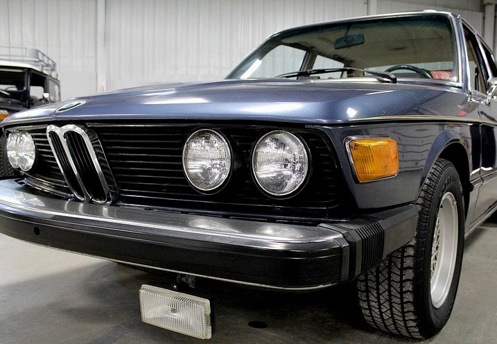 OE-Style Replacement Fog lights On Older Import Vehicle