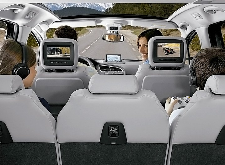 Seats Equipped With Headrest Monitors in Family Car