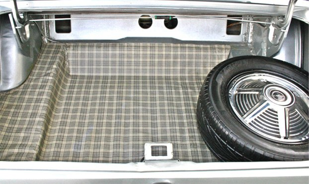 Right Molded Trunk Liner