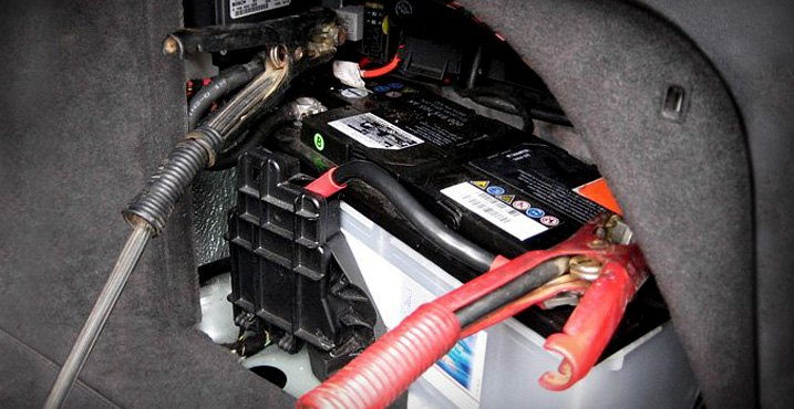 Battery On Vehicle Equipped With Power Module