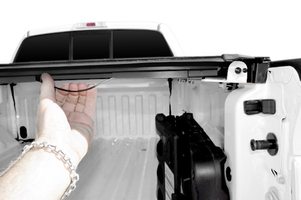 Image may not reflect your exact vehicle! BAK® - Roll-X Tonneau Cover, Latching System