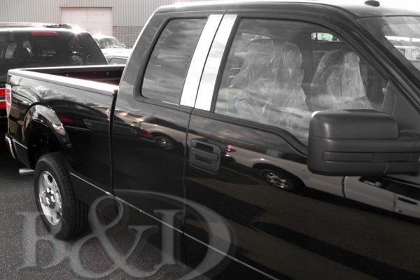 Image may not reflect your exact vehicle! B&I® - Chromed SS Pillar Posts