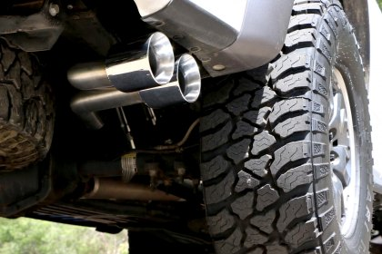 Billy Boat Exhaust® 2014 Ford Raptor Install and Drive Off (Full HD)