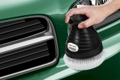 "Black & Decker® - 6"" Random Orbital Waxer / Polisher in Use"