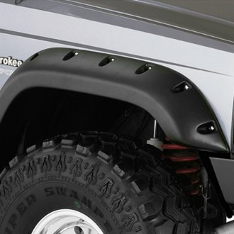 Close Up on Jeep Grand Wagoneer Fender Flares