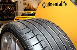 CONTINENTAL® - Extreme on Race Bolid