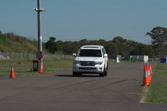 Toyota Landcruiser 200 Series 4WD Stopping Distance Test