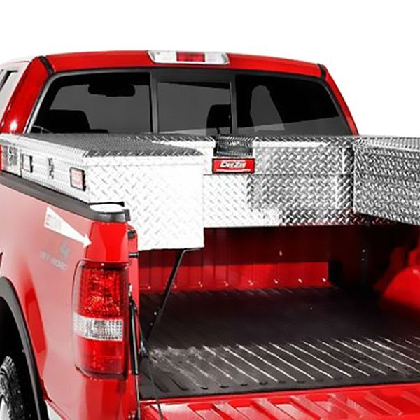 Dee Zee® - Red Label Brite Diamond-Tread Crossover Tool Boxes Installed
