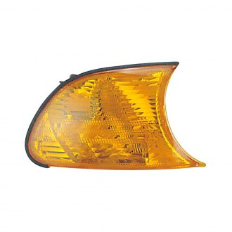 Dorman® - Front Passenger Side Replacement Turn Signal / Parking Light