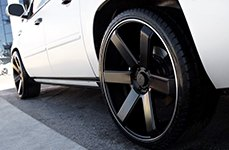 Dropstars 644B Satin Black with Machined Groove on Cadillac Escalade