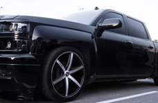 DUB® - RIO 6 Black with Machined Face on Chevy Silverado