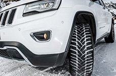 DUNLOP® - SP Winter Sport M3 Tires on Jeep Cherokee