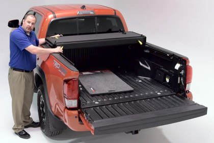 Extang® EnCore™ Tonneau Cover Installation on 2016 Toyota Tacoma (Full HD)