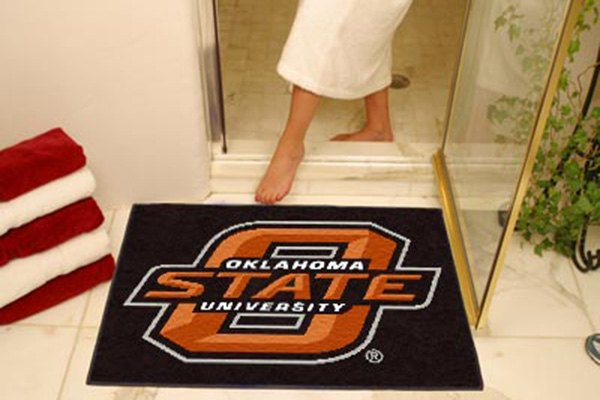 Fanmats 4133 oklahoma state university logo on all star mat for Parquet mat ou satine