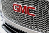 Image may not reflect your exact vehicle! GrillCraft® - SW Series Polished SS Heavy Mesh Grille
