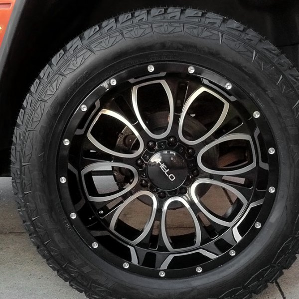 HELO® - HE879 Gloss Black with Milled Accents on Hummer H2 - Close-Up
