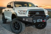 Image may not reflect your exact vehicle! ICI® - Magnum™ Full Width Front HD Bumper with RT-Series Light Bar