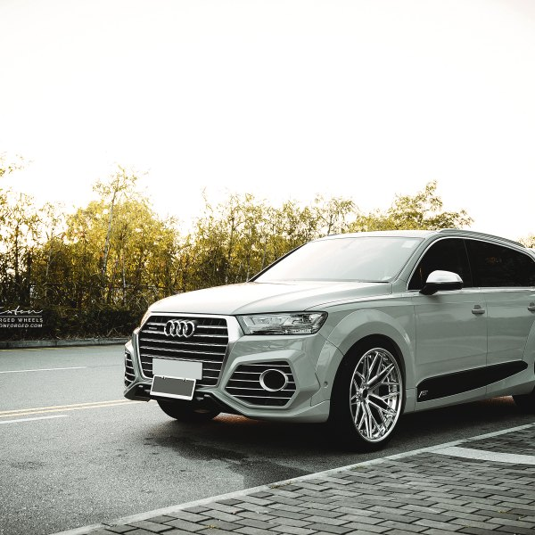 Custom 2018 Audi Q7 Images Mods Photos Upgrades Carid Com Gallery