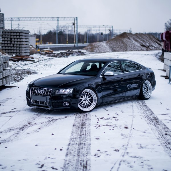 Crystal Clear Headlights on Black Audi S5 - Photo by JR Wheels