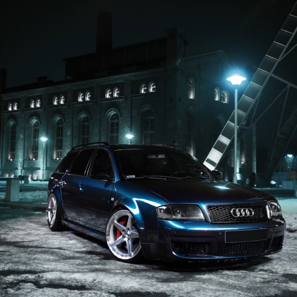 Blue Audi S6 with Custom Mesh Grille - Photo by JR Wheels