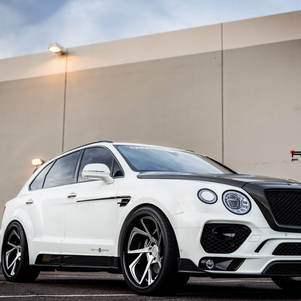 Bentley Bentayga: Custom 2018 Bentley Bentayga