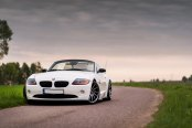 Charcoal Gray JR Rims Enhance White BMW Z4