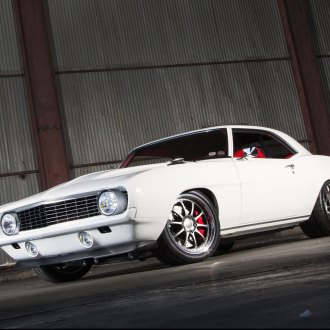 Snow Leopard: White Chevy Camaro Wearing Chrome Billet Grille