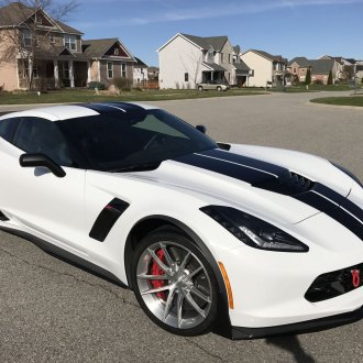 Screaming of Power: White Corvette Z06 with Black Accents