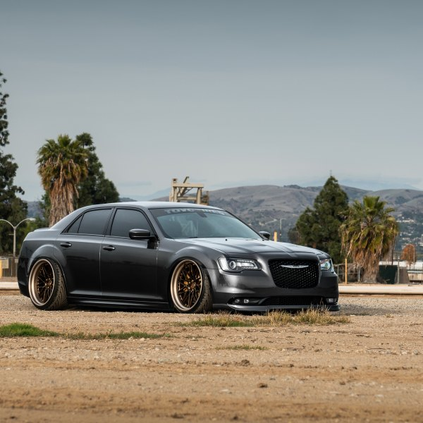 Blacked Out Mesh Grille on Gray Chrysler 300 - Photo by Avant Garde Wheels