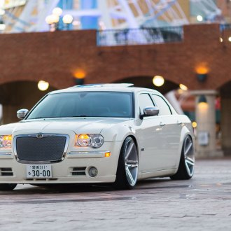 Aftermarket LED Taillights on White Chrysler 300 - Photo by Vossen