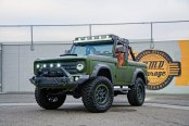 Go Rhino Off-Road Front Bumper Adorning Green Ford Bronco