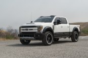 Amazing Contrast: White F-250 Super Duty Takes Advantage of Contrasting Black Accents