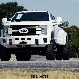 Big Guy: White and Stylish Ford F-450 with Minor Mods