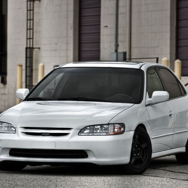 Crystal Clear Headlights On White Honda Accord   Photo By Dan Kinzie