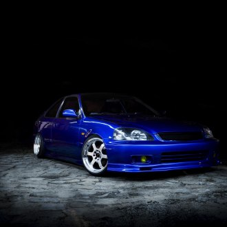 Yellow Fog Lights Give Distinction to Blue Honda Civic