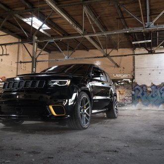 Slammed Black Jeep Grand Cherokee with Contrasting Yellow Calipers & Accents