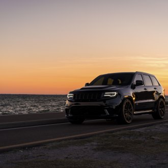 Extremely Exotic Jeep Grand Cherokee Boasts Blacked Out Styling and Custom Rims