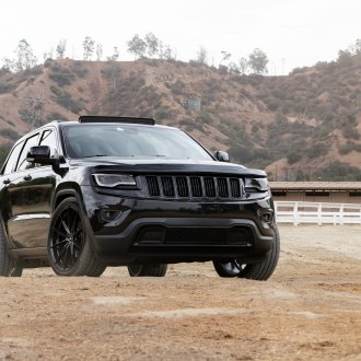 Black-Out Styling Reveals the VIP Spirit of Jeep Grand Cherokee
