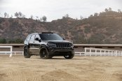 Jeep Grand Cherokee Gets Blacked Out Styling for Aggressive Look