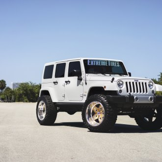 Striking Looks Of Custom Jeep Wrangler JK With Fuel Off-road Wheels