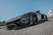 Lamborghini Aventador Features Carbon Fiber Body Parts for Added Aerodynamics