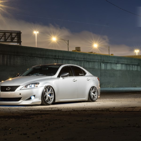 Blacked Out Mesh Grille on Silver Lexus IS - Photo by Rohana Wheels