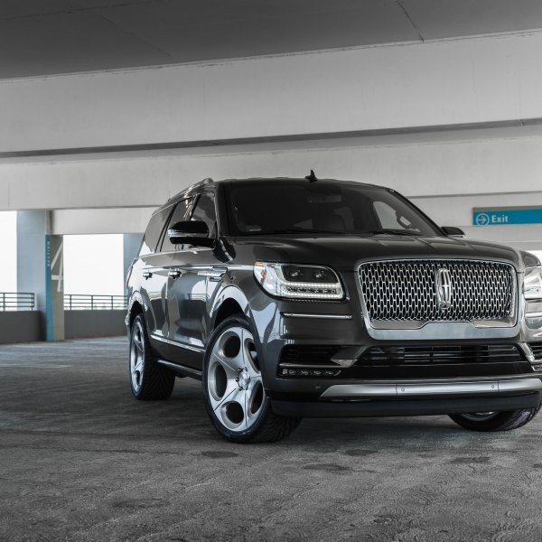 2019 Lincoln Navigator With Rims