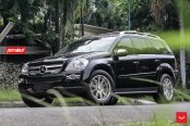 Slightly Revised Exterior of Black Mercedes GL Class
