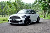 Custom White Mini Cooper with Contrasting Black Accents