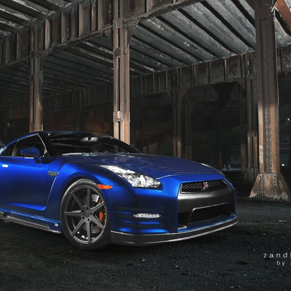 Blue Nissan GT-R with Crystal Clear Headlights  - Photo by zandbox