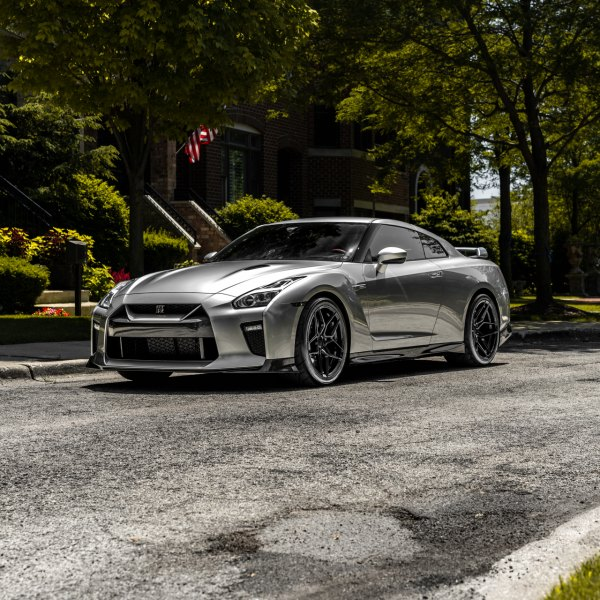 Aftermarket Front Bumper on Silver Nissan GT-R - Photo by Rohana Wheels