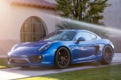 Electric Blue Porsche Cayman Gets Upgraded with Accessories