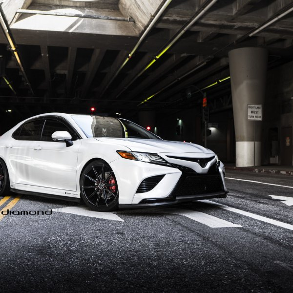 2018 Custom Toyota Camry >> Custom 2018 Toyota Camry Images Mods Photos Upgrades Carid